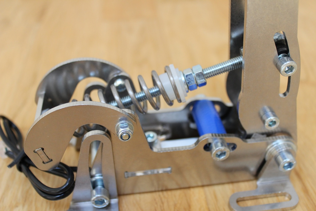 Review of Heusinkveld Engineering Pro Pedals 2014 - Sim