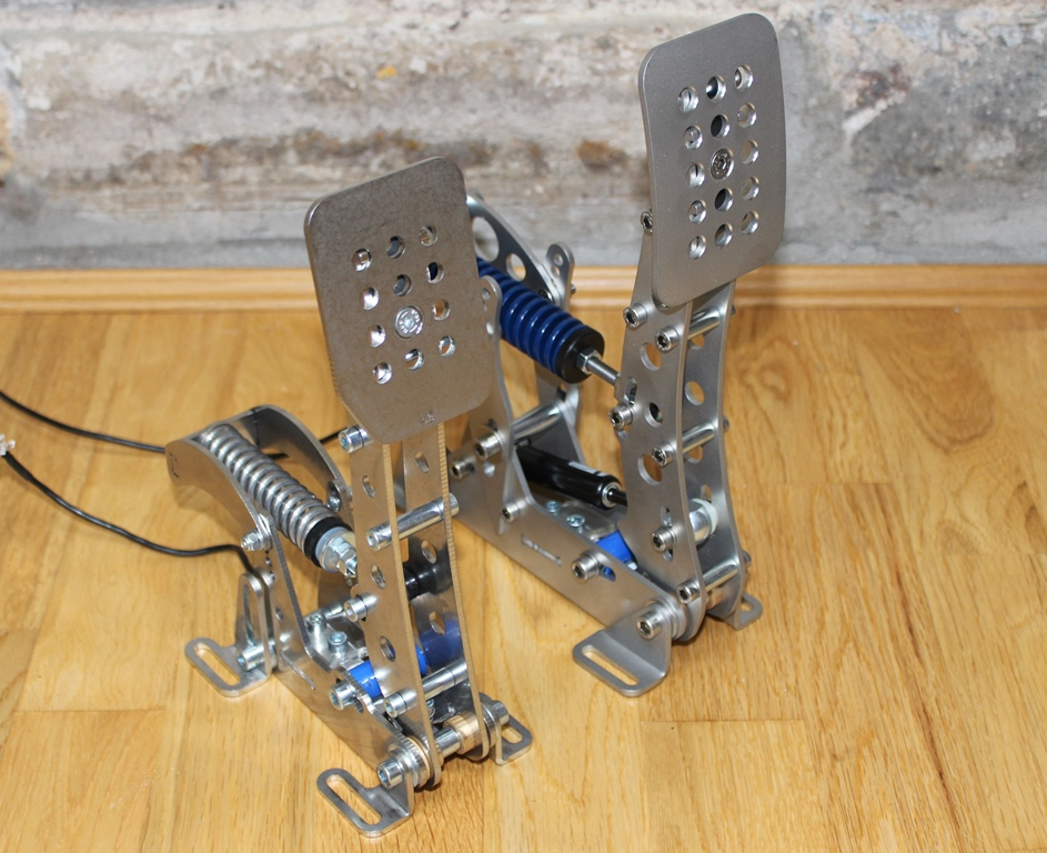 Review of Heusinkveld Engineering Ultimate Pedals 2015 - Sim